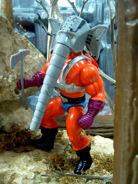 1986 MOTU Masters of the Universe SNOUT SPOUT HEROIC WATER-BLASTING FIREFIGHTER